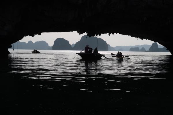 Bai Tu Long Bay (14).JPG