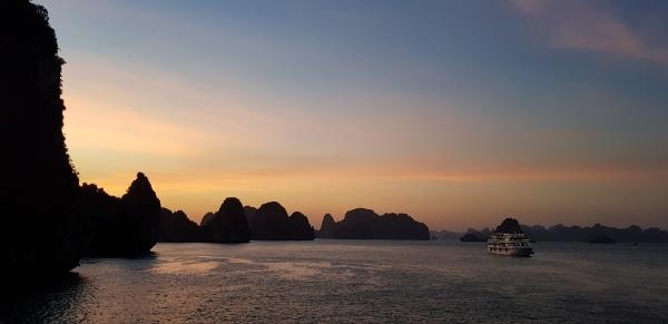 Bai Tu Long Bay (29).jpg